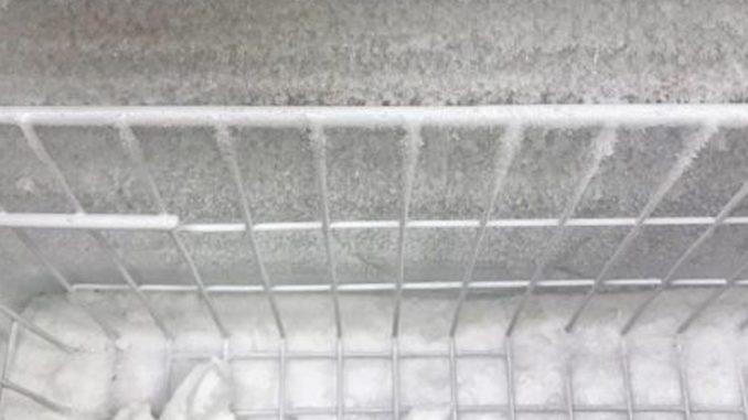 tủ lạnh bị đóng tuyết ở ngăn đá